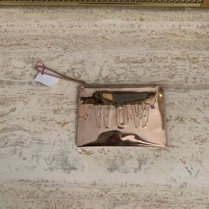 In charge pouch/ wristlet
